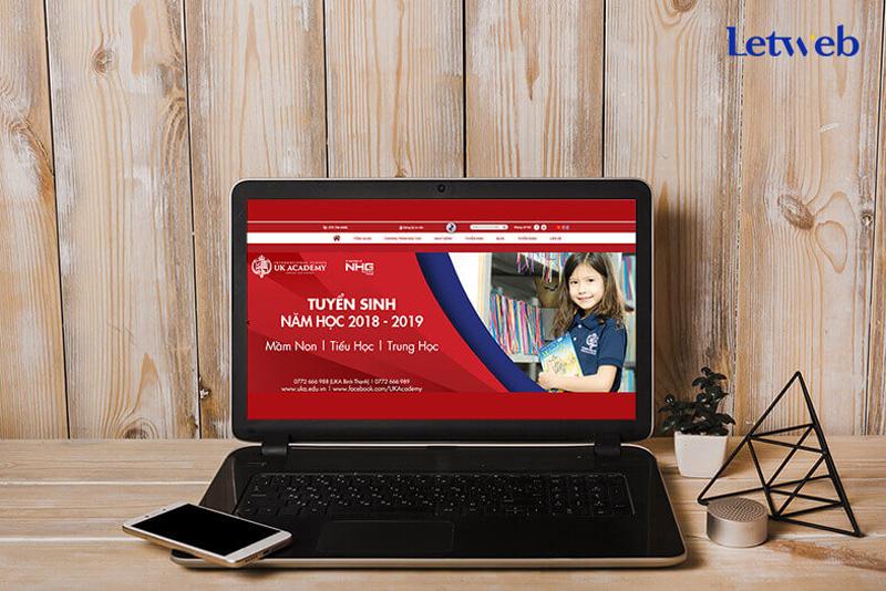 thiet-ke-website-truong-hoc-uk-Academy-1